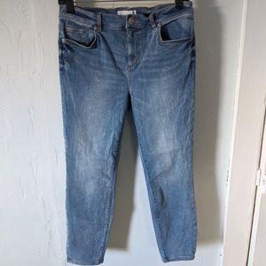 LOFT Ann Taylor 30P Medium Wash Cropped Jeans